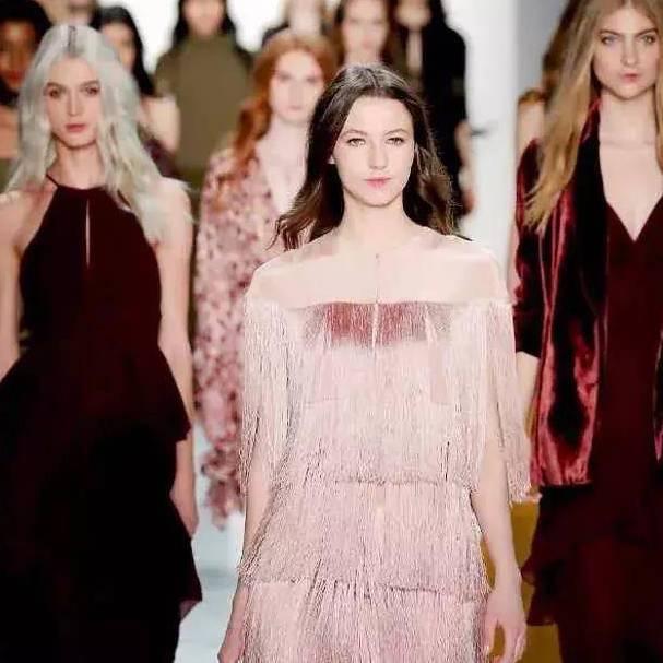 从2020春夏纽约时装周,get 2020春夏流行色