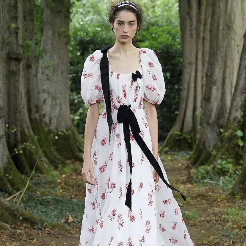 2021即将大火的裙装趋势有哪些?时装周上早已公布答案了!